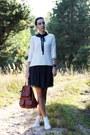 Navy-zara-dress-white-converse-sneakers-ivory-mango-hoodie
