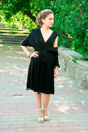 black Zara dress - black Dalmatin cardigan
