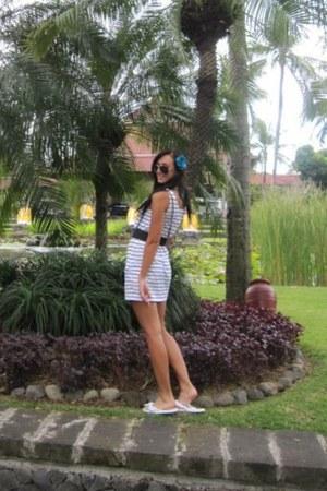 white Charlotte Russe dress - black Forever21 belt