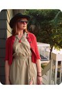 Camel-thrifted-dress-red-old-navy-shoes-forest-green-ruche-hat-red-gift-ca