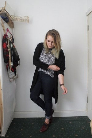 black Monki shirt - navy Primark jeans - black H&M cardigan