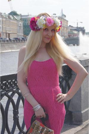 hot pink asos bodysuit - bubble gum asos hair accessory