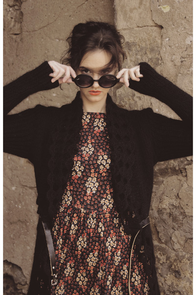 black flower new look dress - black coat - black ray-ban glasses - black belt