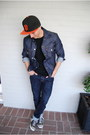 Black-converse-shoes-black-sf-giants-new-era-hat-navy-denim-levis-jacket