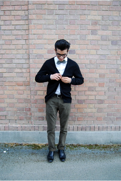 J Crew tie - black Steve Madden shoes - white Express shirt - black H&M cardigan