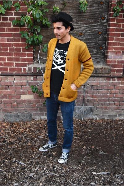 plissken cat Nift shirt - pork pie Urban Outfitters hat