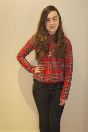 hollister shirt - Gap jeans - robot necklace Topshop necklace