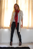 Zara scarf - H&M coat - Gap jeans - Aldo shoes