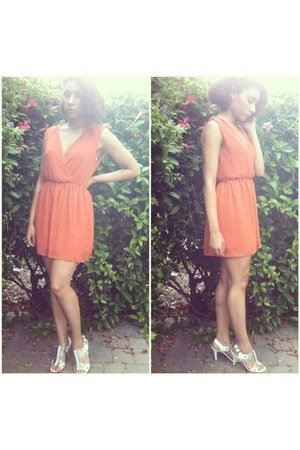 carrot orange Forever 21 dress - white Steve Madden heels
