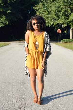 mustard In Love with Fashion romper - ivory OASAP cardigan