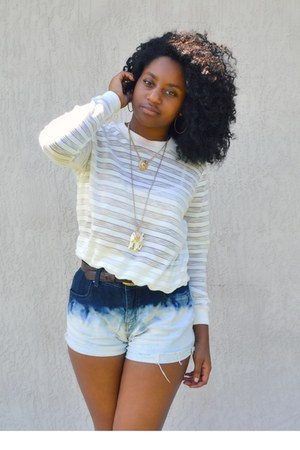 navy DIY shorts - white Front Row Shop top