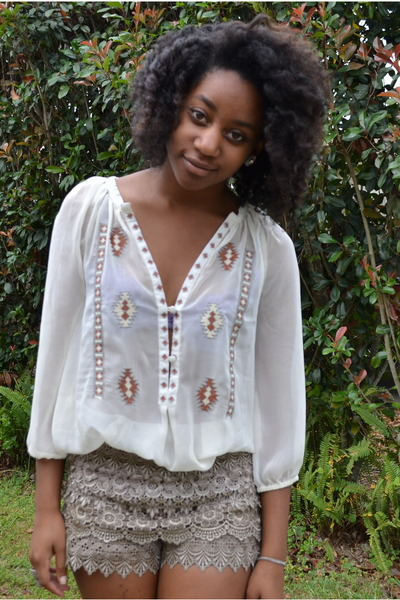 beige TJ Maxx shorts - white Ross blouse