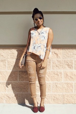 brick red Forever 21 shoes - camel ripped Boohoo jeans