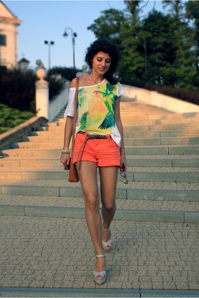 Orsay shorts - Stradivarius t-shirt - Stradivarius wedges