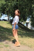 beige Zara shoes - blue Secondhand shorts - white H&M t-shirt