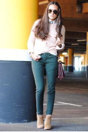 forest green Stradivarius jeans - camel Les Tropeziennes boots