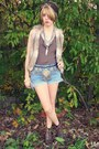 Brown-tie-dyed-fanueil-hall-market-scarf-sky-blue-diy-thrifted-shorts