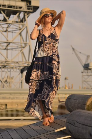 tan straw H&M hat - camel ilissa Pour La Victoire shoes
