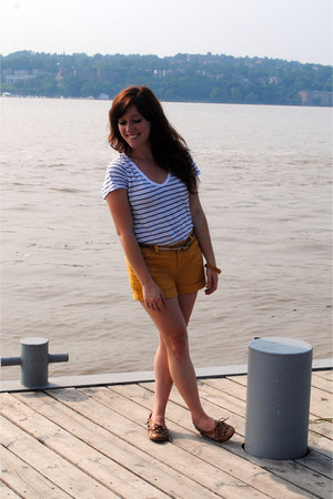 mustard f21 shorts - camel Urban Outfitters flats - white H&M t-shirt