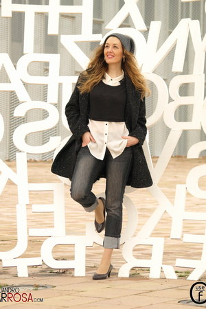 gray Mango coat - dark gray BLANCO jeans - white pull&bear blouse