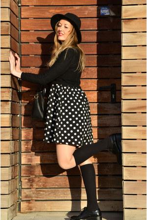 black kling dress