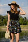 Black-mango-top-black-compania-fantastica-skirt