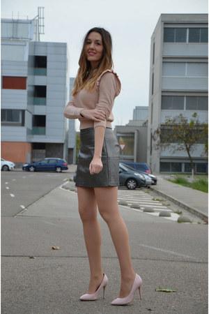 heather gray Stradivarius skirt - light pink Primark sweater