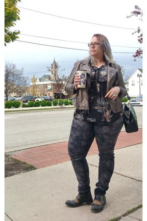charcoal gray Fashion Nova pants - black Fluevog shoes - bronze kensie jacket