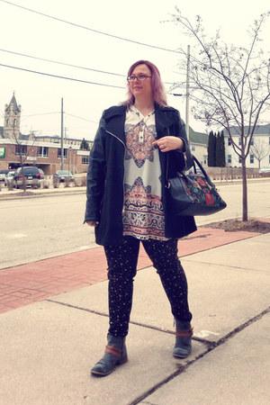 black kensie bag - charcoal gray Roxy boots - off white Make Me Chic dress