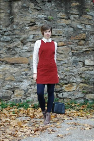 brick red thrifted jumper - tawny Matiko boots - navy American Apparel tights