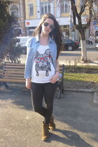 white Pimkie t-shirt - light brown Graceland boots - gray random jeans