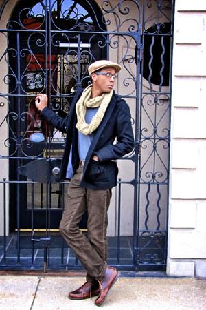 brick red chukka boot Sebago boots - black BDG coat - tan Kangol hat - heather g