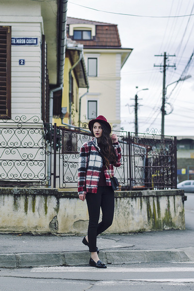 black Tally Weijl jeans - brick red Ecua-Andino Hat hat - Zara jacket