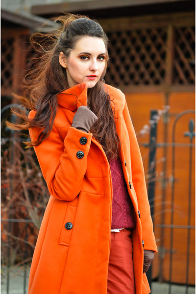 carrot orange Stradivarius coat - brick red H&M sweater