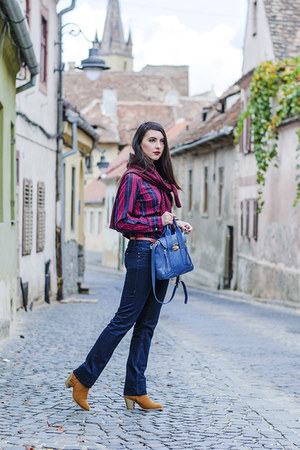 navy Bershka jeans - crimson H&M sweater - Maddison shirt - blue PERSUNMALL bag