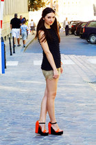 black black ruffled Orsay top - beige lace pull&bear shorts
