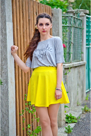 H&M skirt - H&M t-shirt