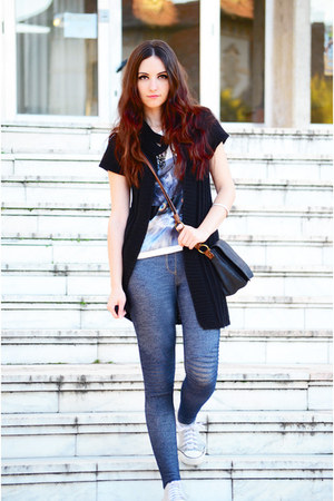 black knitted vintage cardigan - navy Koton leggings - cat print c&a shirt
