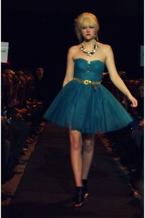teal tulle Betsey Johnson dress - gold big beads Betsey Johnson necklace - gold