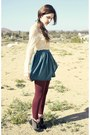 Maroon-tights-socks-skirt-blouse