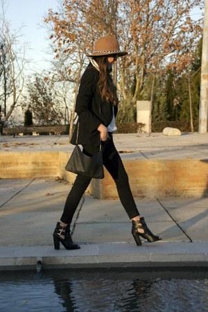 Primark boots - Zara hat