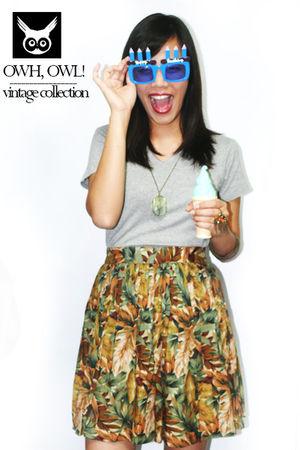 brown skirt - gray shirt - green necklace - orange