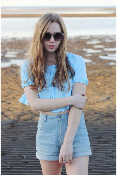sky blue Onatah shirt - light blue Wrangler shorts