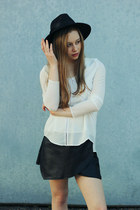 eggshell hat blouse Three Of Something blouse - black Lipstk boots