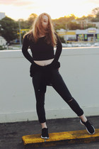 black cotton on jeans - black crop top black SUPRÉ shirt