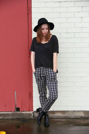 black Zara boots - black felt hat fedora Rubi shoes hat