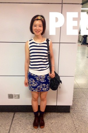 dark brown shoes - navy cotton on skirt - navy vest