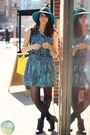 Turquoise-blue-target-hat-black-shop-in-amsterdam-boots
