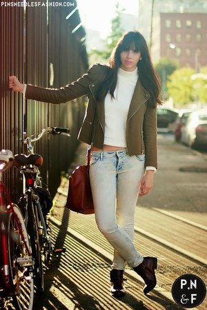 white Zara sweater - dark brown Wanted boots - light blue H&M jeans