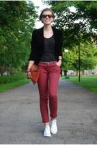 maroon Amisu jeans - black suede vintage blazer - tawny DIY bag